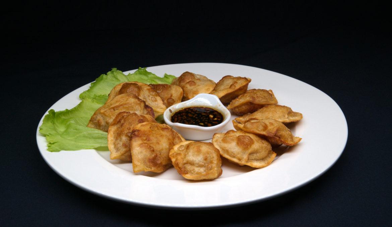 Пельмени жареные 煎饺