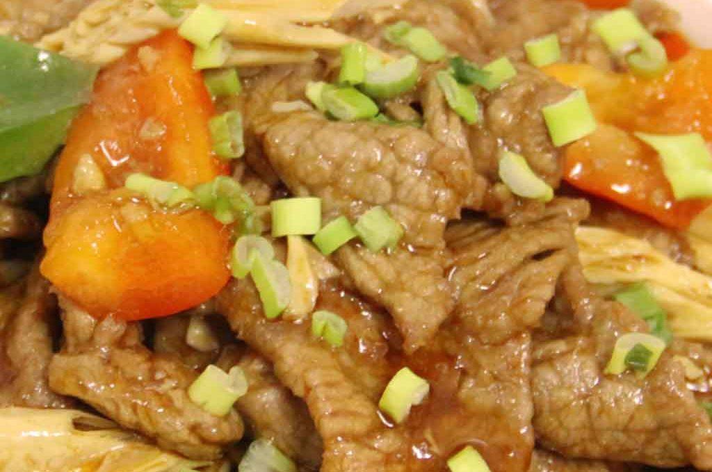 Говядина 支竹牛煲
