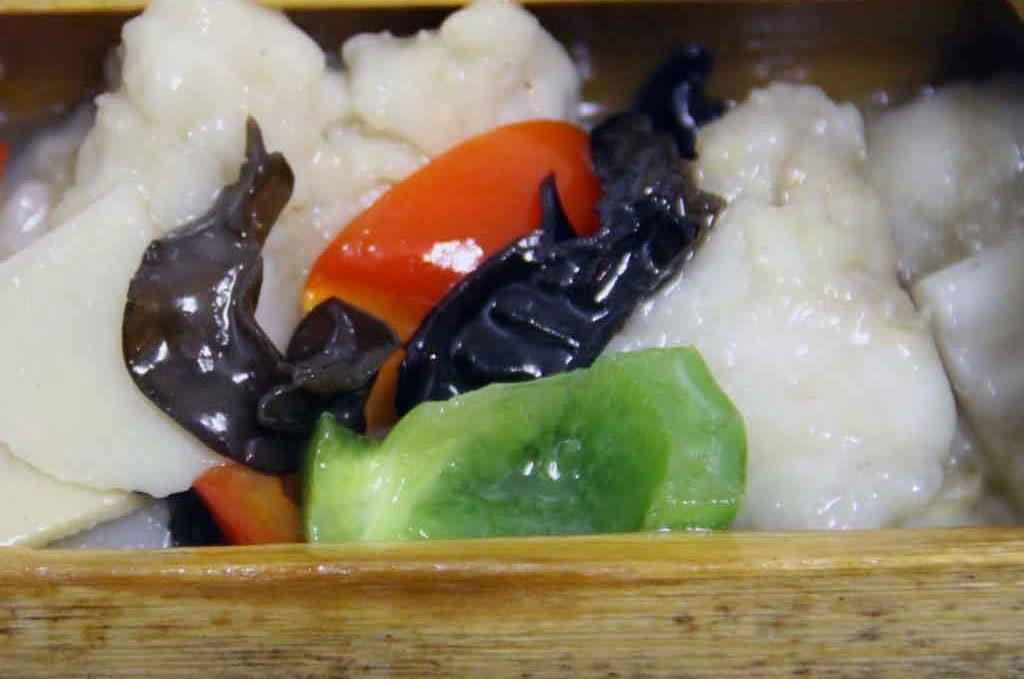 Рыба 竹筒鱼片