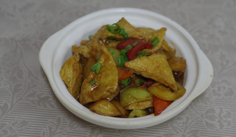 Тофу с тремя ароматами 三鲜豆腐煲