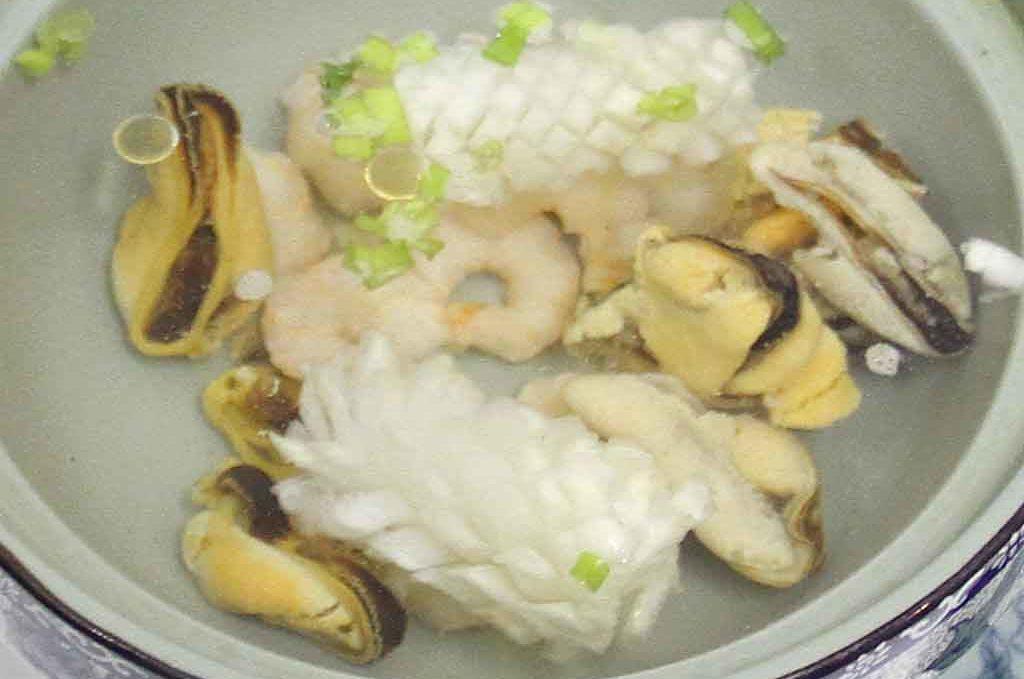 Суп с морепродуктами 海鲜汤